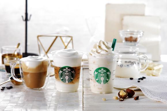 """【スタバ2018新作】3/15から登場!「ホワイトブリューコーヒー&マカダミアフラペチーノ」「ムースフォームラテ」!新プログラム""""New Starbucks coffee journey """"って何?【白いコーヒー体験】"""